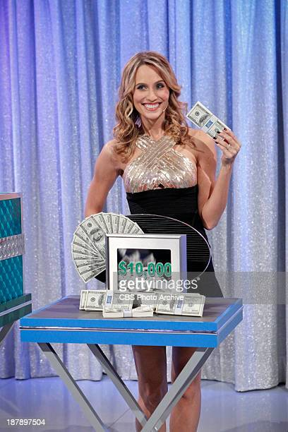 One lucky Trader has an opportunity to go for $10000 cash as model Danielle Demski hold up the cash on a special Twitter episode of LET'S MAKE A DEAL...