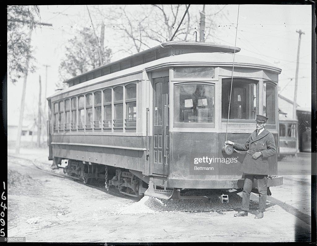 Trolley Line Operator : Fotografía de noticias