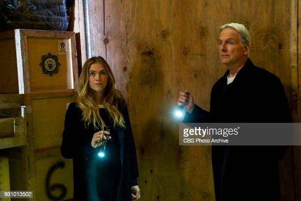 'One Man's Trash' Gibbs and Ducky see an antique war stick on television that could be the missing murder weapon to a 16yearold cold case on NCIS...