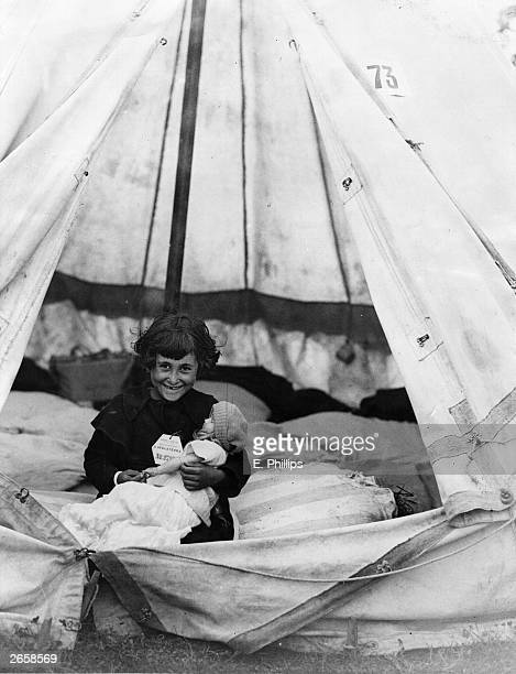 One of 4000 children from Bilbao refugees from the Spanish Civil War arrives at a camp near Southampton