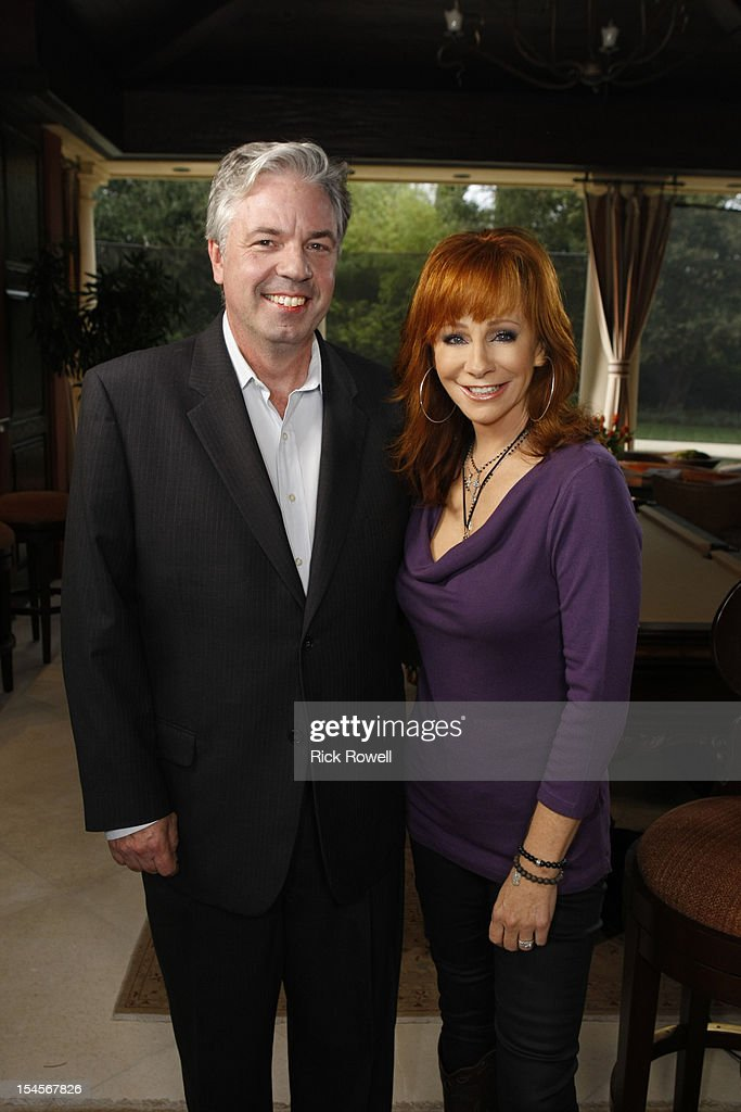 COURIC - One of country music's queens, Reba McEntire, is interviewed by Chris Connelly for 'A Special Edition of 20/20,' ALL ACCESS NASHVILLE WITH KATIE COURIC, airing FRIDAY OCT. 26 (9-10PM, ET) on the ABC Television Network. (Photo by Rick Rowell/ABC via Getty Images) CHRIS