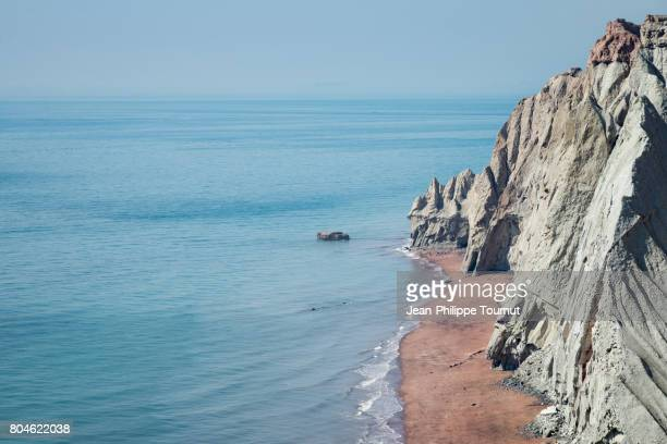one of the hidden beaches of hormuz island, persian gulf, hormozgan province, southern iran - iranian culture stock photos and pictures