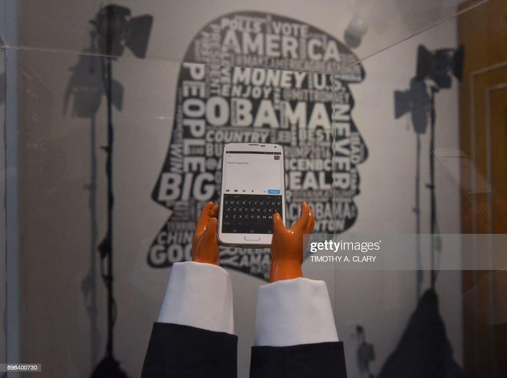 ENTERTAINMENT-US-POLITICS-TELEVISION-DAILY SHOW-TRUMP : News Photo