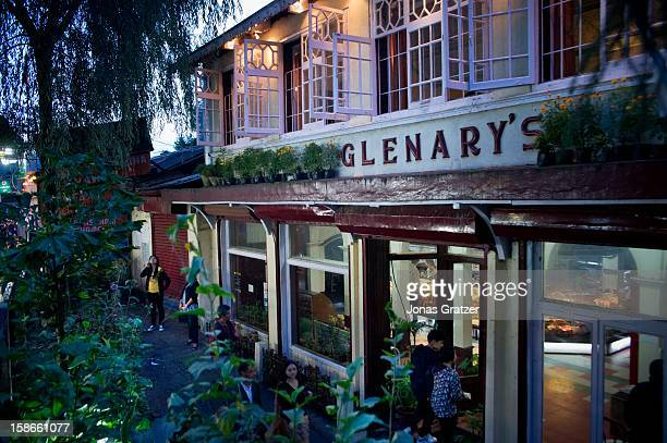One of the many old colonial buildings in Darjeeling that has been transformed into a Cafe The town lies at 2500 meters in the Himalayas in the state...