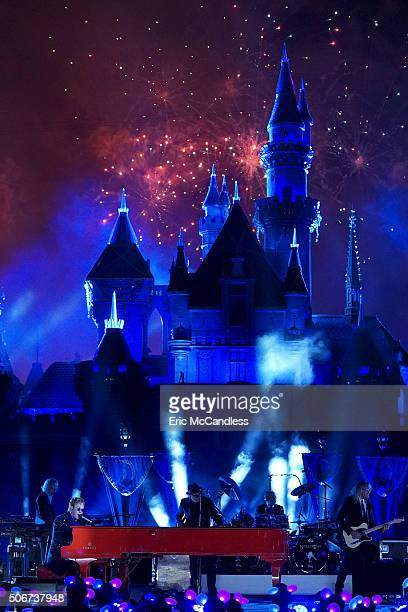 DISNEYLAND 60 One of the most successful solo artists of all time Sir Elton John will perform two sensational songs on The Wonderful World of Disney...