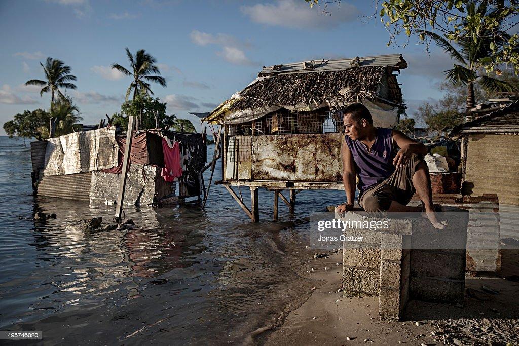 Life-threatening Sea Level Rise in Kiribati : News Photo
