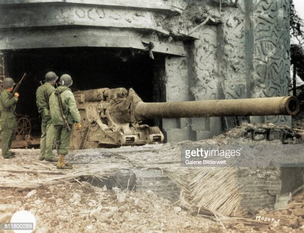 One of the two bunkers of the Crisbecq Battery Crisbecq with a 210 mm Skoda gun. June 1944. This artillery battery was constructed by the Todt...