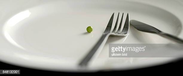 one pea on a plate