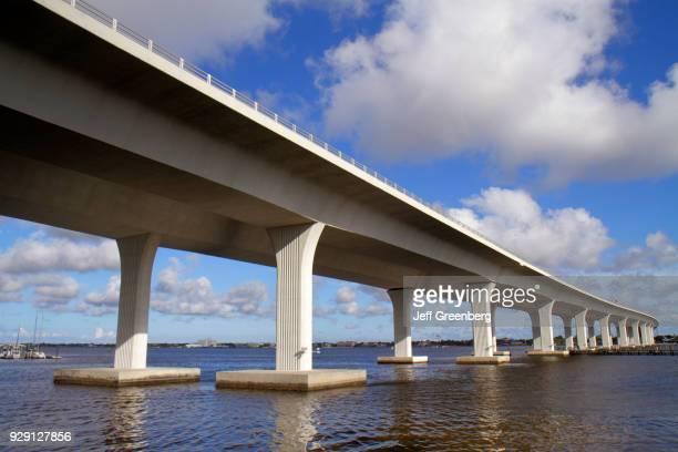 One Roosevelt Bridge.