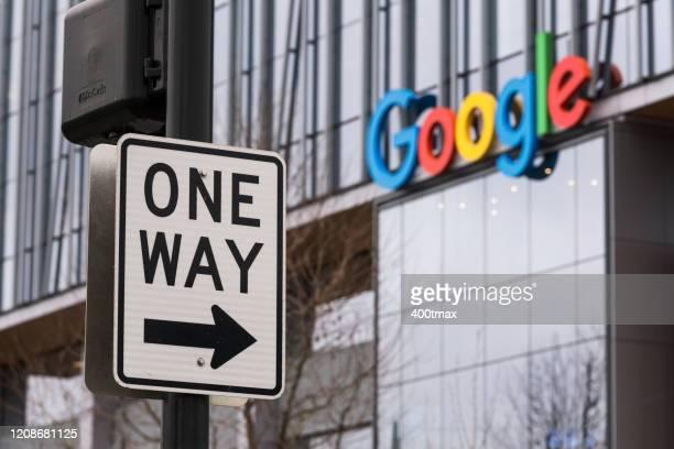 one way - google marca comercial fotografías e imágenes de stock