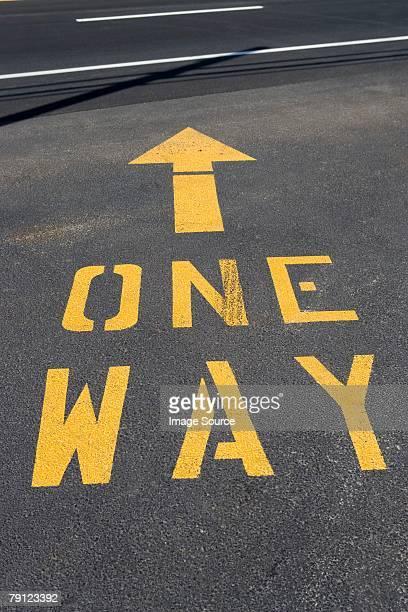 One way road marking