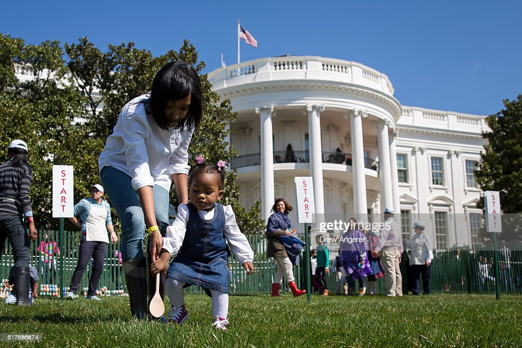 President Obama Hosts White House Easter Egg Roll : News Photo