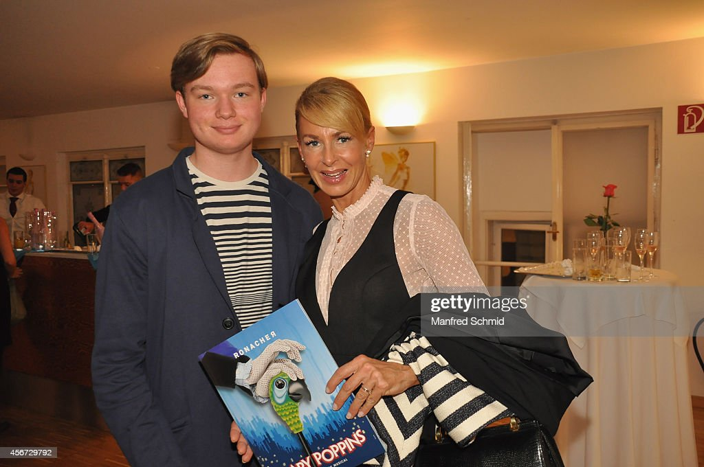 Onka Takats (R) attends the Mary Poppins musical premiere at Ronacher Theater on October 1, 2014 in Vienna, Austria.