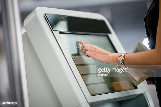 online check-in - kiosk stock pictures, royalty-free photos & images