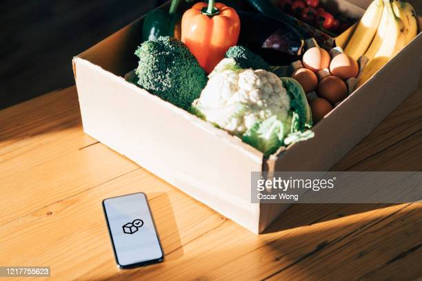 online fresh food delivery service - freshness stock pictures, royalty-free photos & images