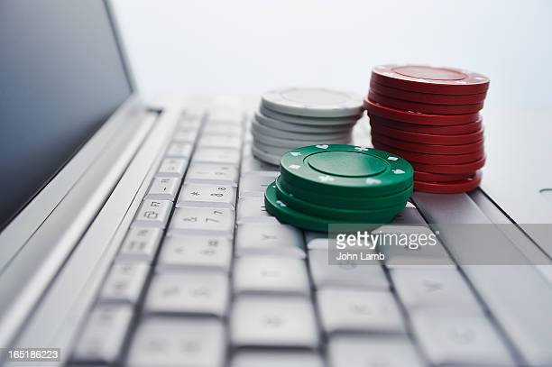 online gambling - gambling stock pictures, royalty-free photos & images