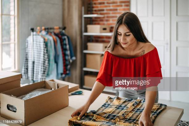 online shopping makes happy a lot of people - market vendor stock pictures, royalty-free photos & images