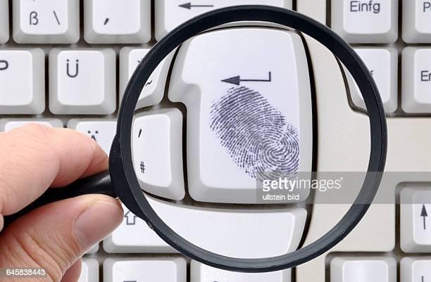 OnlineDurchsuchung Datenschutz online Computerüberwachung Kriminalität OnlineKriminalität InternetKriminalität Tastatur Computer Computertastatur...