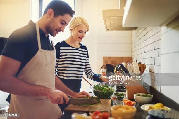 Solo hombres de verdad ayudan en la cocina