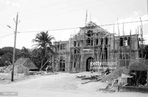 Ono Futuna 1996 L'archipel de WallisetFutuna territoire d'outremer français situé dans l'hémisphère sud composé de trois îles principales Wallis...