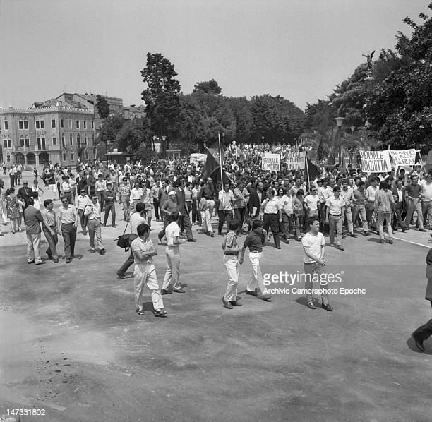 Onrush of students and workers against the Biennale leaded by Luigi Nono Venice 1968