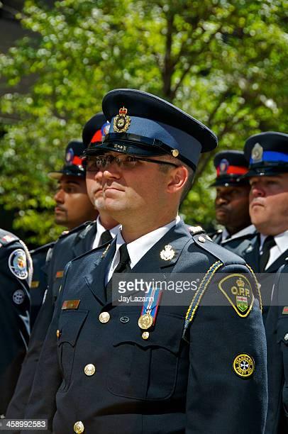polícia da província de ontário, no memorial nypd cerimónia, 09/09/2011, nova iorque - uniform cap imagens e fotografias de stock