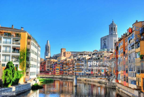 onyar river in girona, catalonia - spain - gerona city stock pictures, royalty-free photos & images