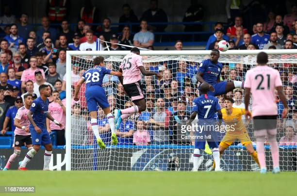 Onyinye Wilfred Ndidi of Leicester City scores his team's first goal during the Premier League match between Chelsea FC and Leicester City at...