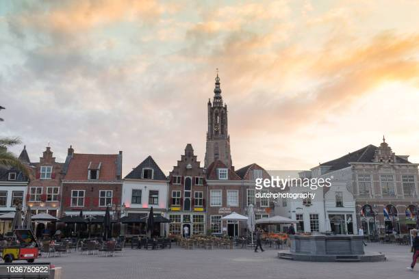 onze lieve vrouwetoren en plein in amersfoort - amersfoort netherlands stock photos and pictures