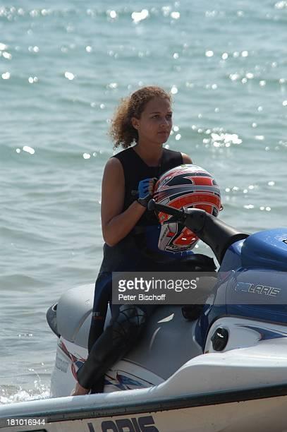 "Oona Devi Liebich, Mallorca/Balearen/Spanien, 2.6.2003, RTL-Film: ""Megalodon - Hai-Alarm auf Mallorca"", Sportler, Muskeln, Meer, Schauspielerin,..."