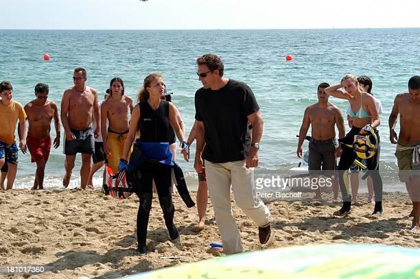 """Oona Devi Liebich, Ralf Moeller , Crewmitglieder, Mallorca/Balearen/Spanien, 2.6.2003, RTL-Film: """"Megalodon - Hai-Alarm auf Mallorca"""", Sportler,..."""