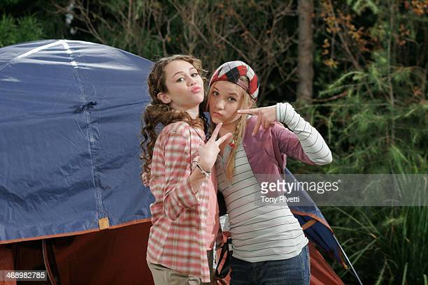 MONTANA Ooo Ooo Itchy Woman On a school camping trip Miley and Lilly decide to teach mean girls Amber and Ashley a lesson by scaring them with a fake...