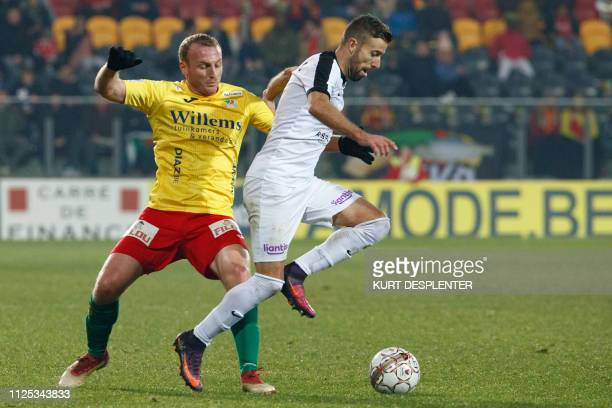 Oostende's Kevin Vandendriessche and Eupen's Luis Garcia fight for the ball during a soccer game between KV Oostende and KAS Eupen Saturday 16...