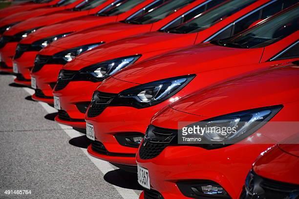 Opel Autos in einer Reihe