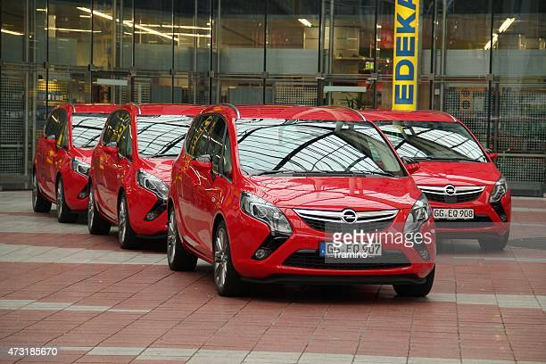 Opel Zafira vans in a row