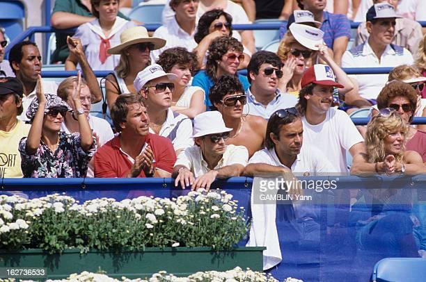 Yannick Noah And Henri Leconte Lose The Final Men Double EtatsUnis NewYork 7 septembre 1985 depuis 1978 le parc de Flushing Meadows accueille le...