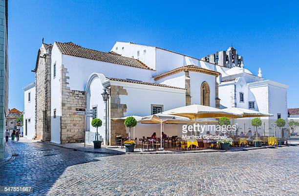 Open air restaurant at Faro Cathedral