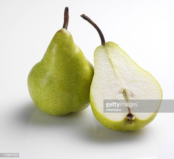 Open and closed pear