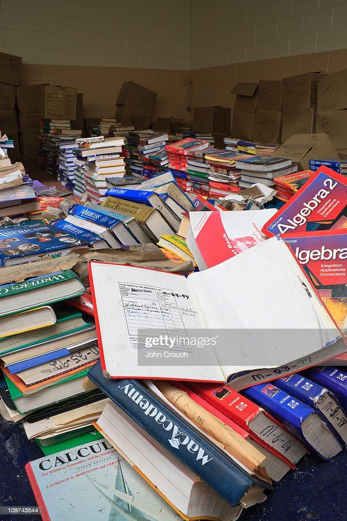 Large pile of books : News Photo
