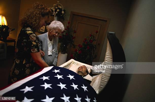 open casket - open casket stock pictures, royalty-free photos & images