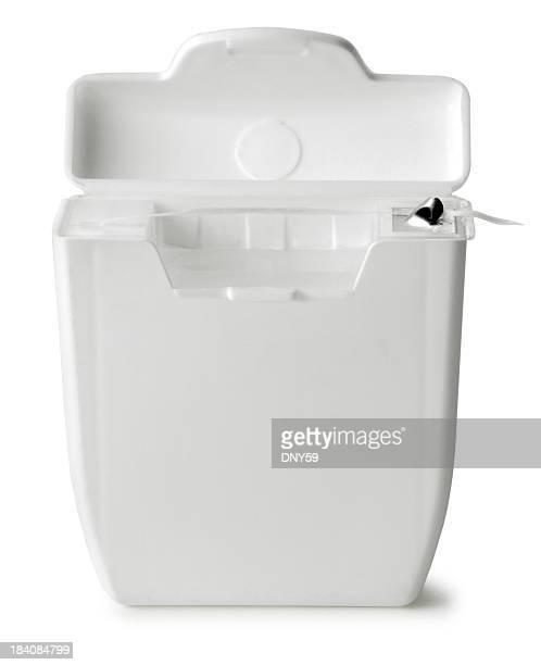 Abrir fio dental recipiente isolado em fundo branco