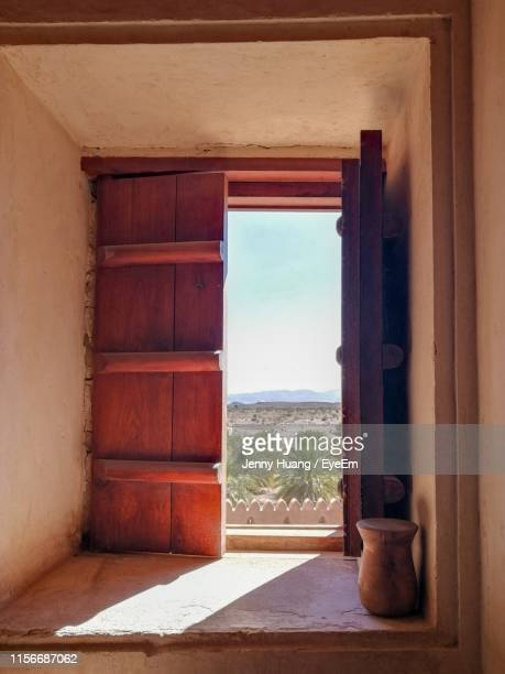 open door at home - gulf countries stock pictures, royalty-free photos & images