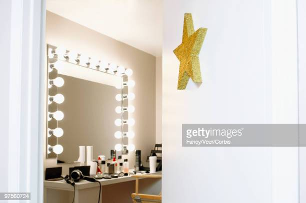 open door of star's dressing room - backstage stock pictures, royalty-free photos & images