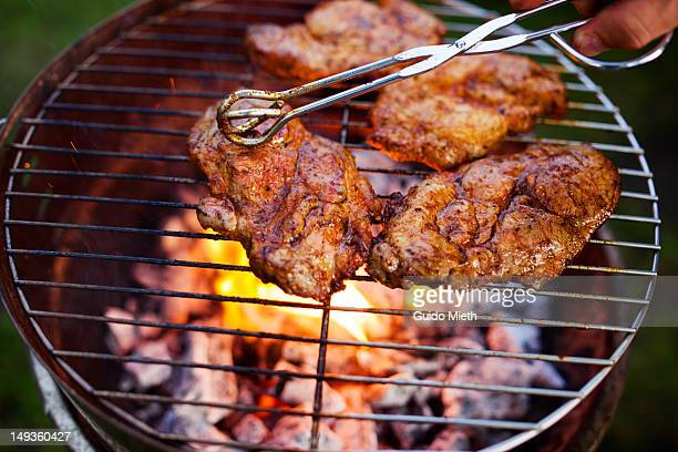 open flame grill - metal grate stock pictures, royalty-free photos & images