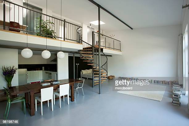 Mezzanine Stock-Fotos und Bilder - Getty Images