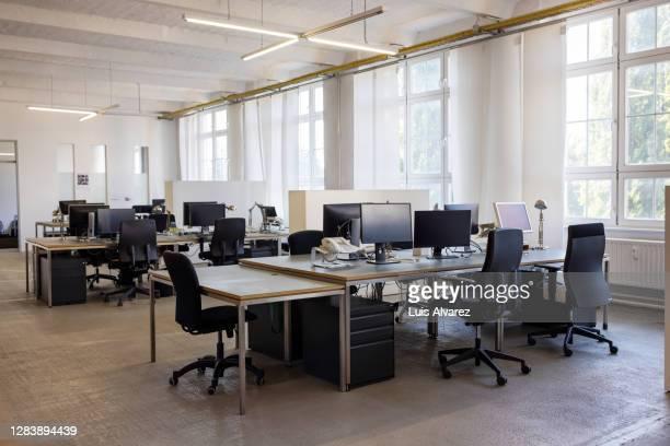 open plan startup office space - büro stock-fotos und bilder