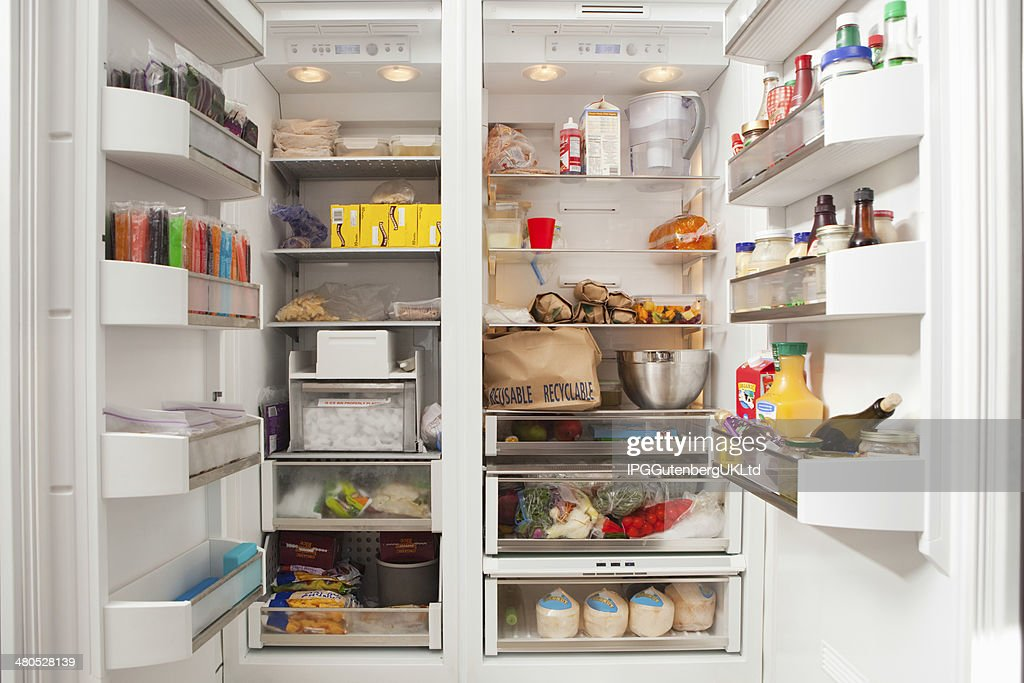 Open Refrigerator With Stocked Food Products : Stockfoto