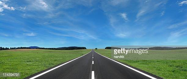 open road - straight stock pictures, royalty-free photos & images