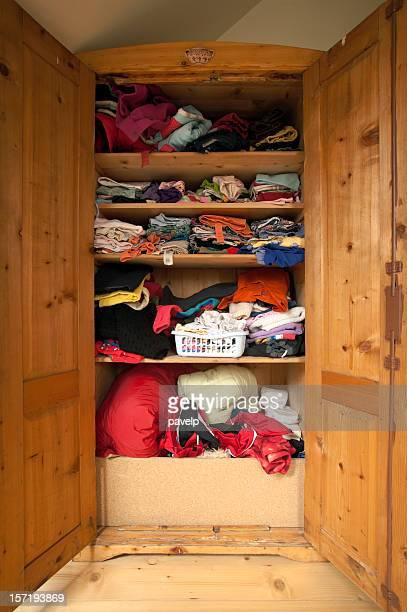 Open Kleiderschrank