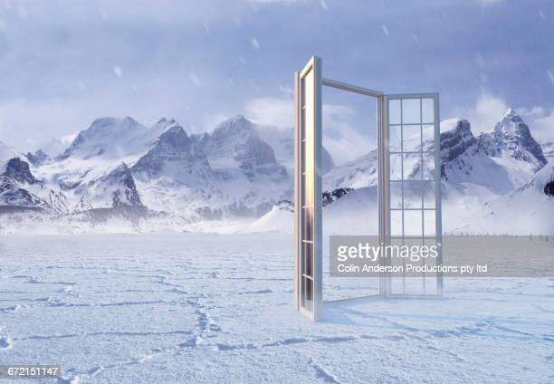 open window in snow at mountains - 日常から抜け出す ストックフォトと画像